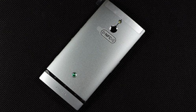 索尼 Xperia P(LT22i) 强制关机教程